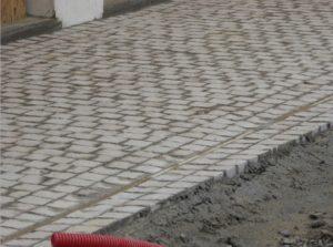 Création d'une ceinture en allée pavée pour une villa à Arbonne